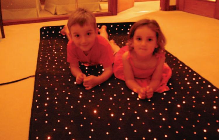 Fibre optics france eclairage fibres optiques pour chambres adultes et enfants - Tapis de sol pour enfant ...
